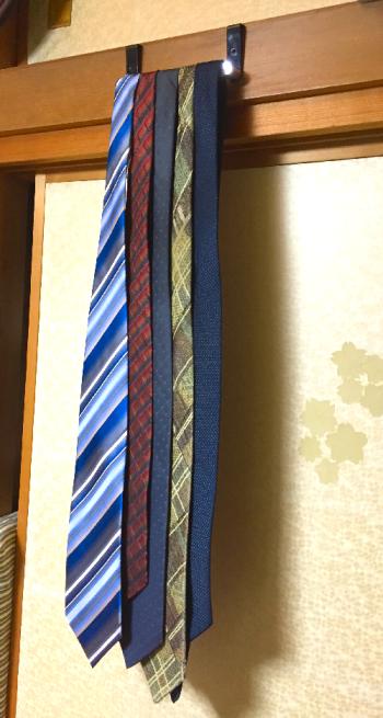 ネクタイ掛け